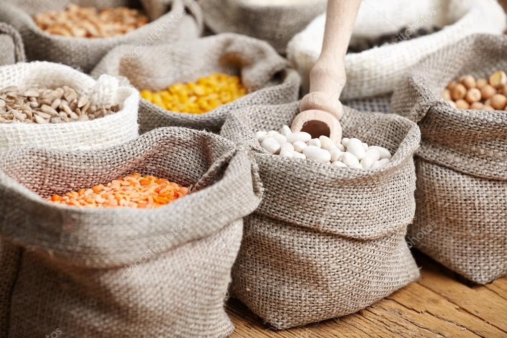 depositphotos 57832833-stock-photo-corn-and-grains-in-bags